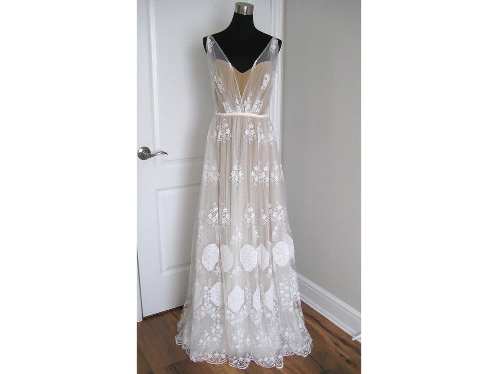 Anna kara may 1 290 size 6 sample wedding dresses for Dress for a wedding in may