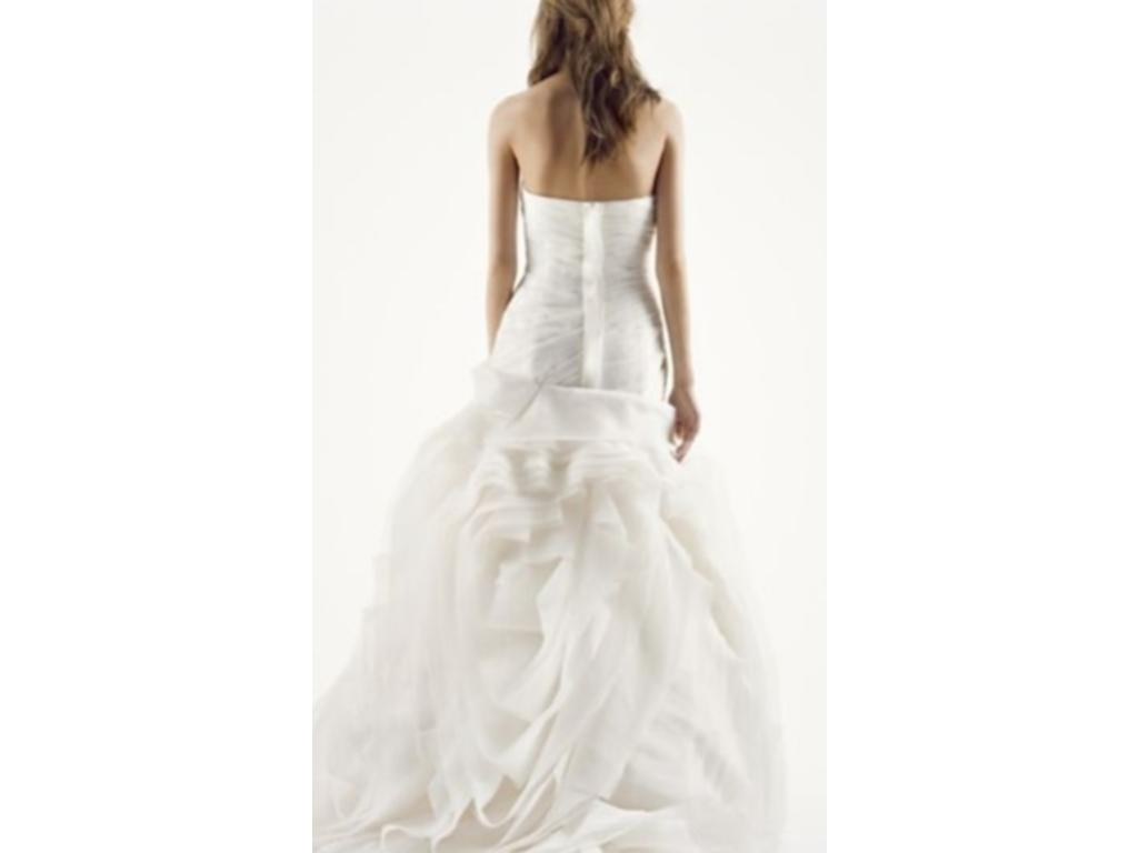 Vera wang white vw351011 700 size 0 used wedding dresses for Vera wang wedding dress used