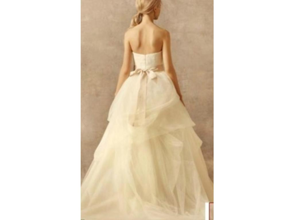 Vera wang white vw351065 550 size 4 used wedding dresses for Vera wang wedding dress used