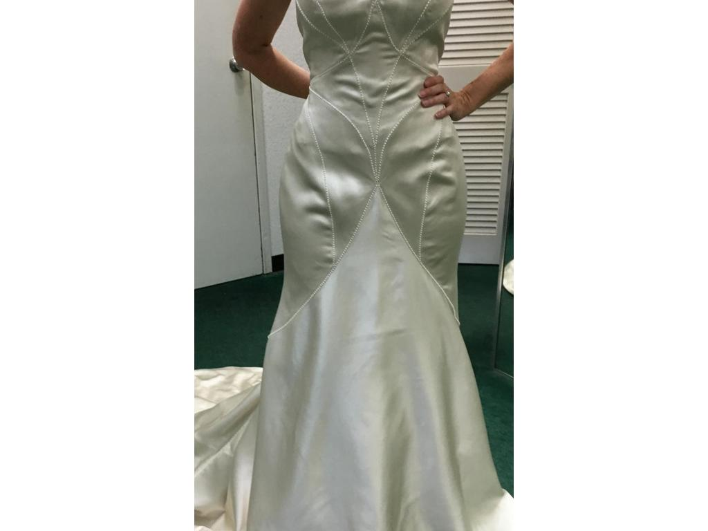 Matthew Christopher Vivian, $500 Size: 12 | Sample Wedding Dresses
