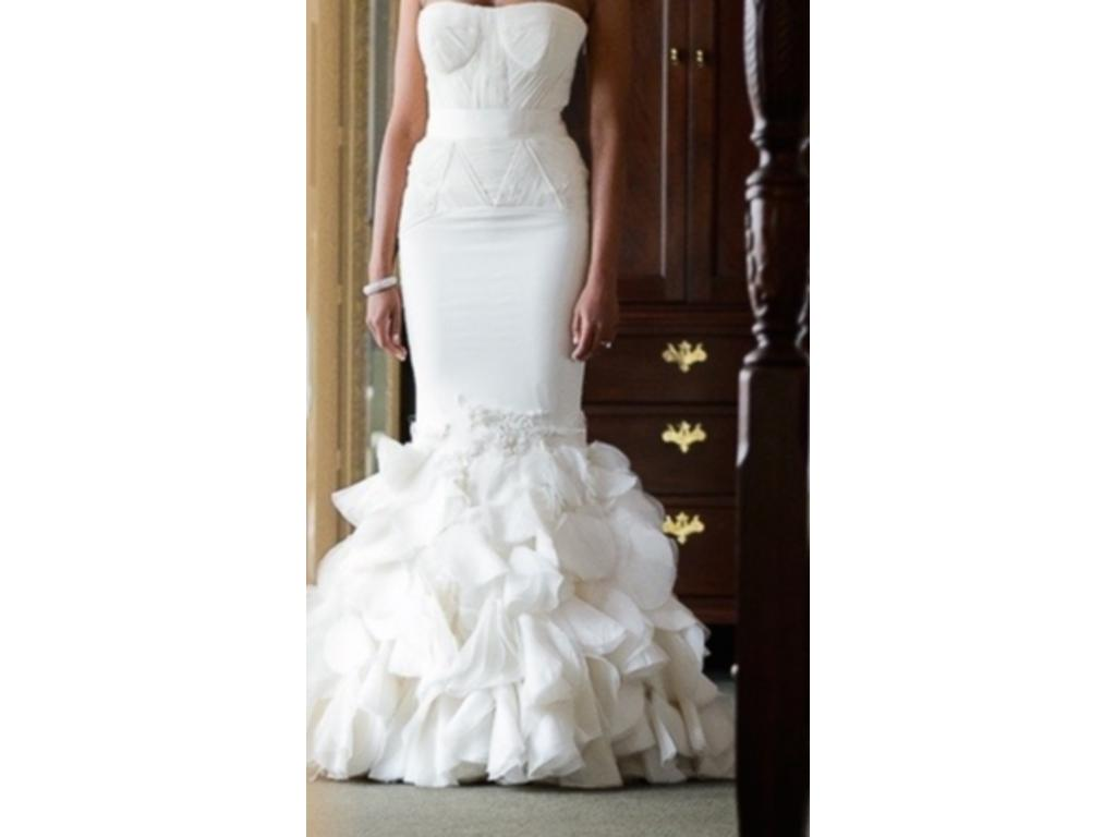 Vera wang holly 65455 1 500 size 6 used wedding dresses for Pre owned wedding dresses