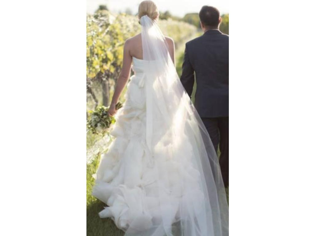 Vera wang ghillian 4 200 size 10 used wedding dresses for Used vera wang wedding dress