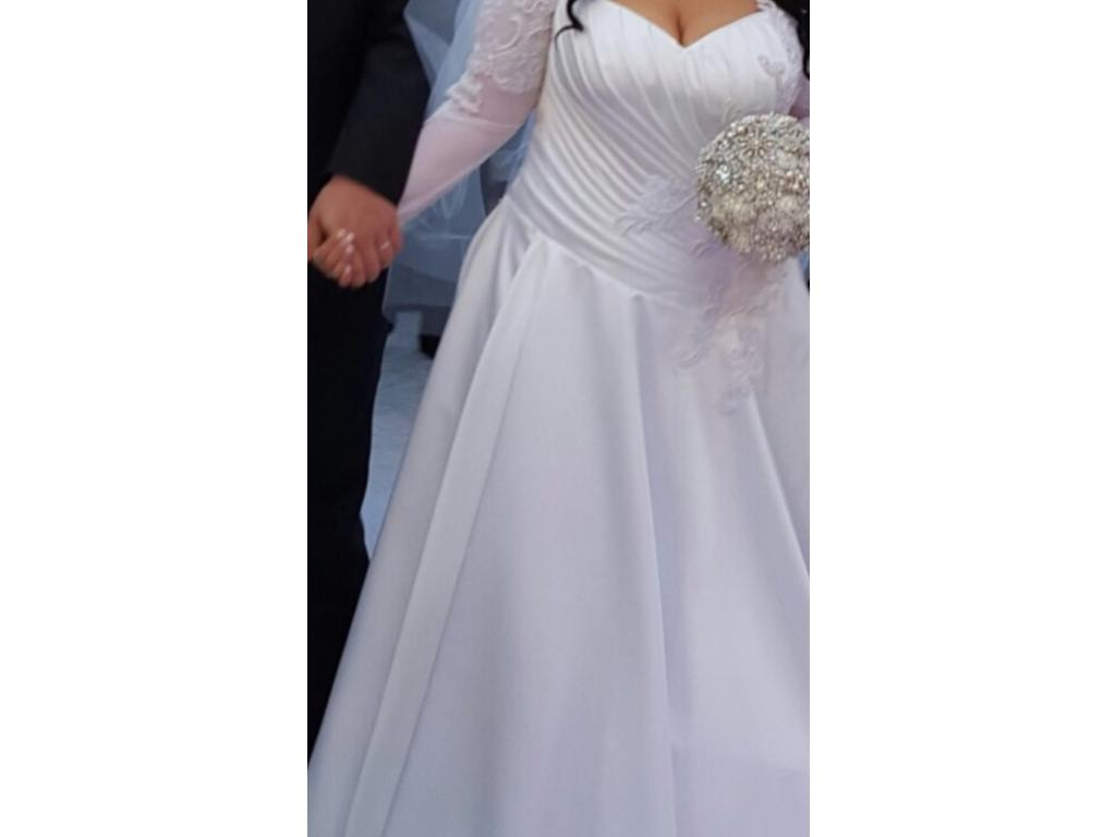 Other 2 000 size 14 used wedding dresses for Wedding dresses size 14