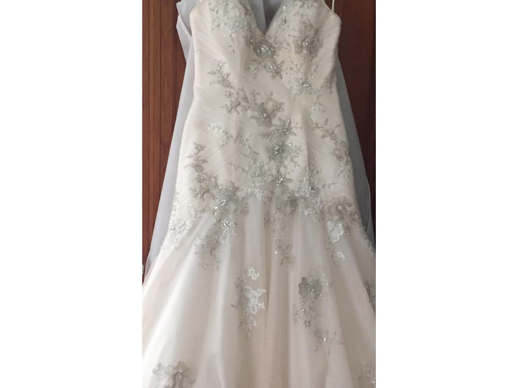 Jacquelin Exclusive 600 Size 14 Used Wedding Dresses