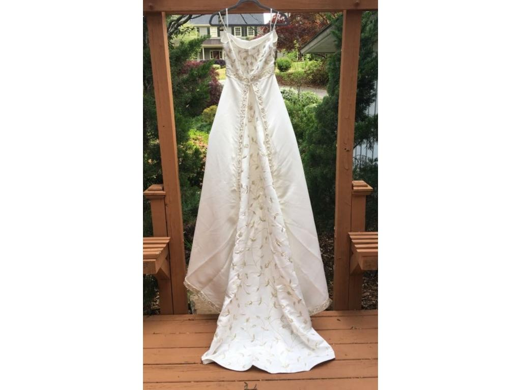 Other 550 size 6 sample wedding dresses for Silver wedding dresses for sale