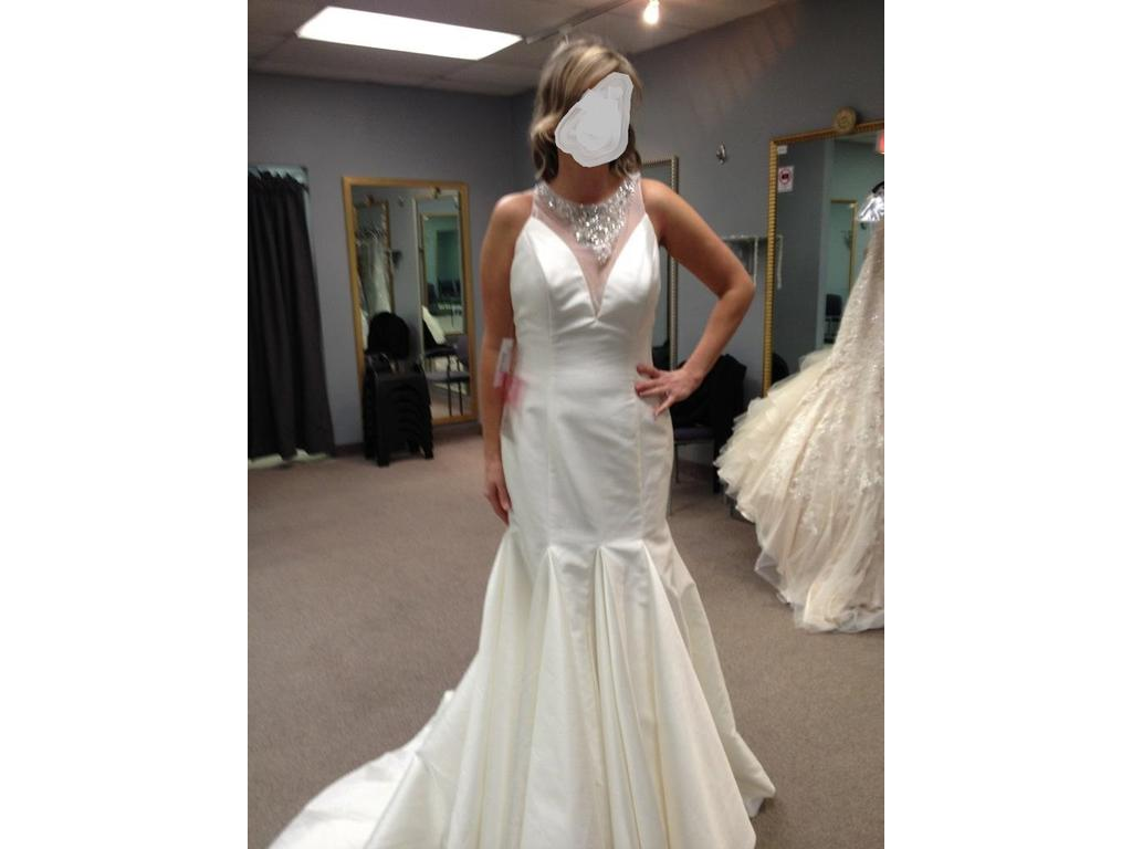 Alfred Angelo 961 $999 Size 8