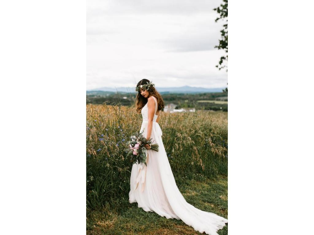 4f57a247fda0 BHLDN Watters Penelope Gown  699 Size  00 Used Wedding