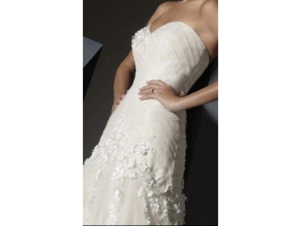 Alfred Angelo 2397, $500 Size: 4