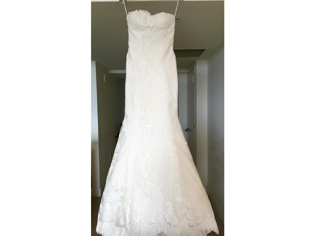 Pronovias princia 1 000 size 4 used wedding dresses for Pre owned wedding dresses