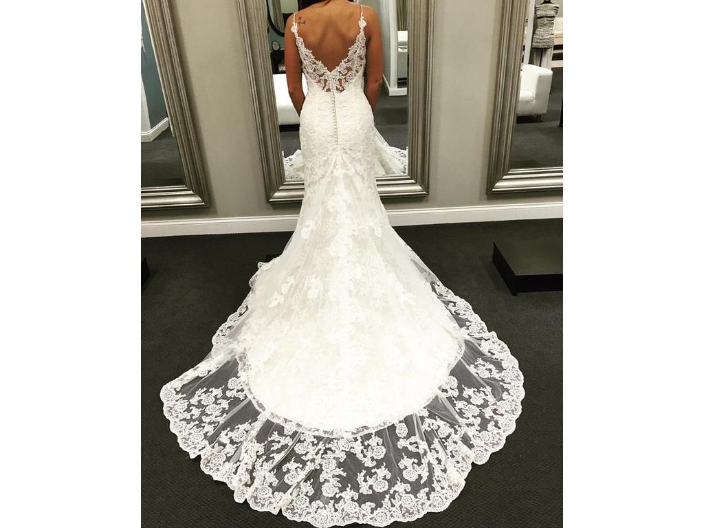 Used Wedding Gowns: Ella Rosa BE295, $950 Size: 10