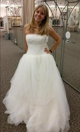 Vera Wang White Tossed Tulle 6