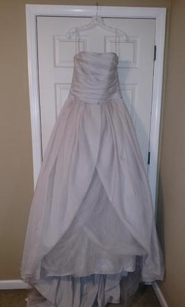 Vera wang white vw351178 600 size 12 new un altered for Vera wang gray wedding dress