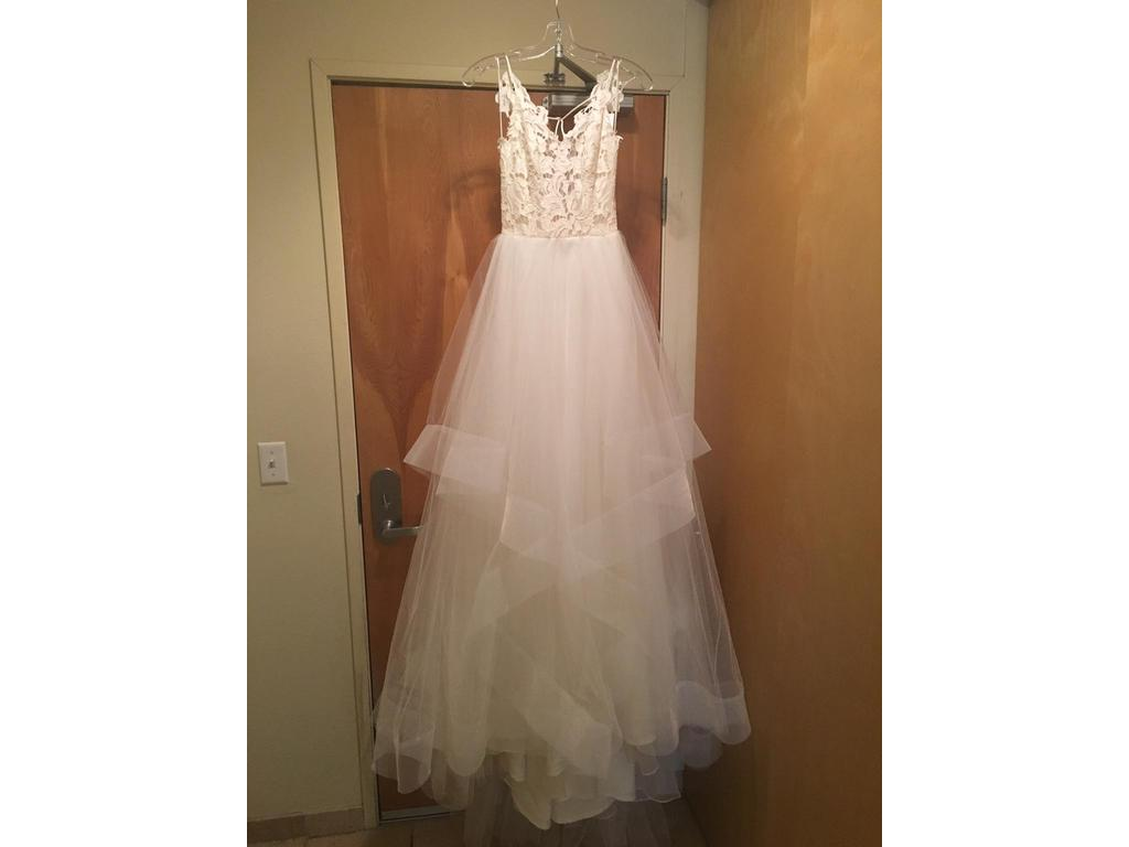 Hayley paige blush 1600 halo 1 490 size 4 new un for Pre used wedding dresses