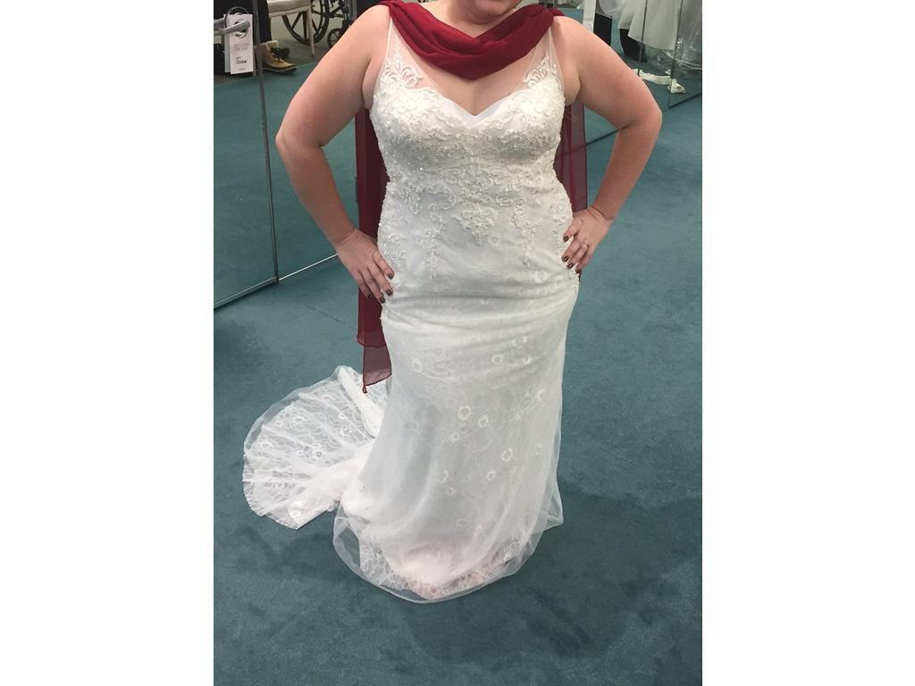 Galina Petite Lace Sheath Gown with V Neckline 7SWG675, $450 Size ...