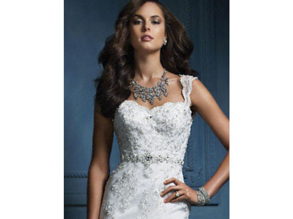 Alfred Angelo 854, $799 Size: 4