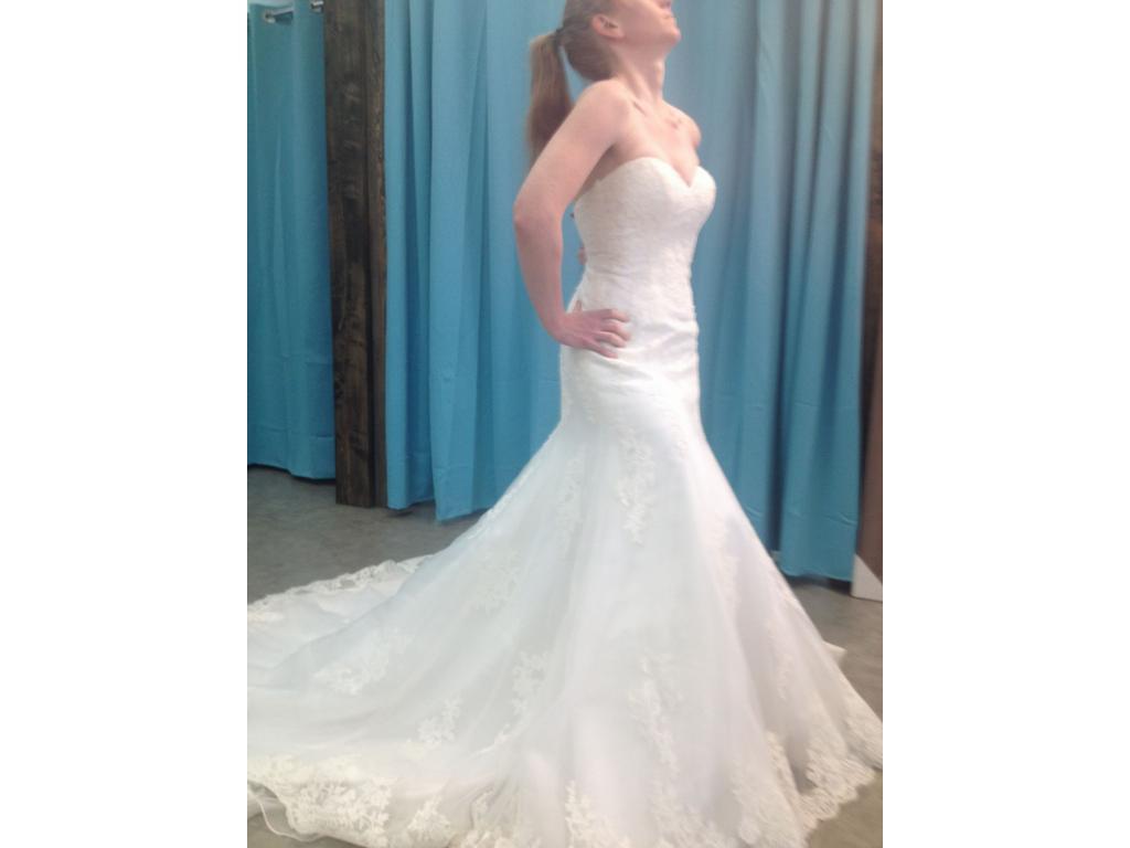 Alfred Angelo 2538, $639 Size: 4   New (Un-Altered) Wedding Dresses