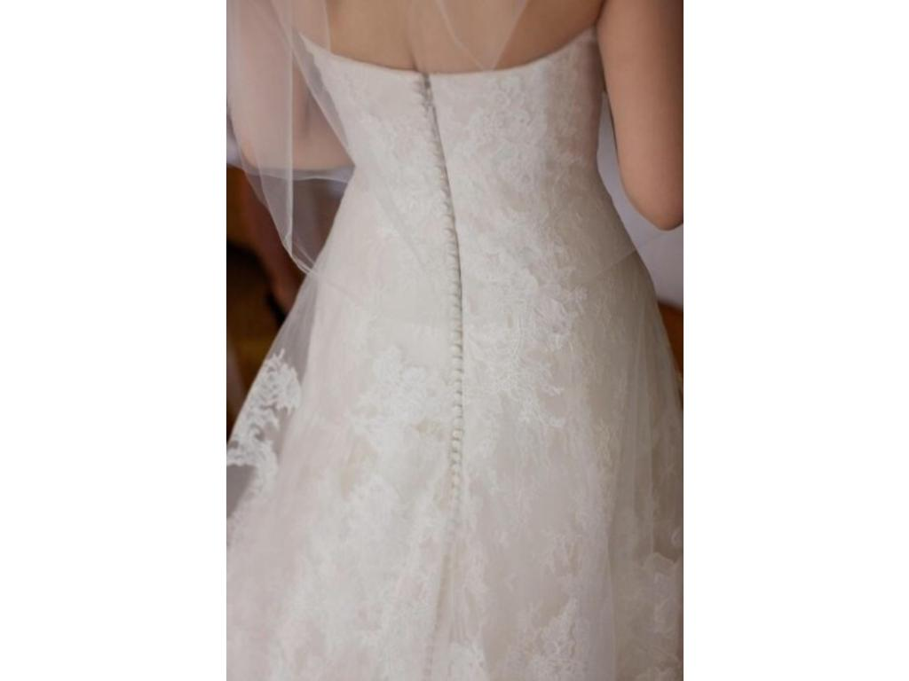 Vera wang esther wedding dress 5 500 size 4 used for Vera wang wedding dress used