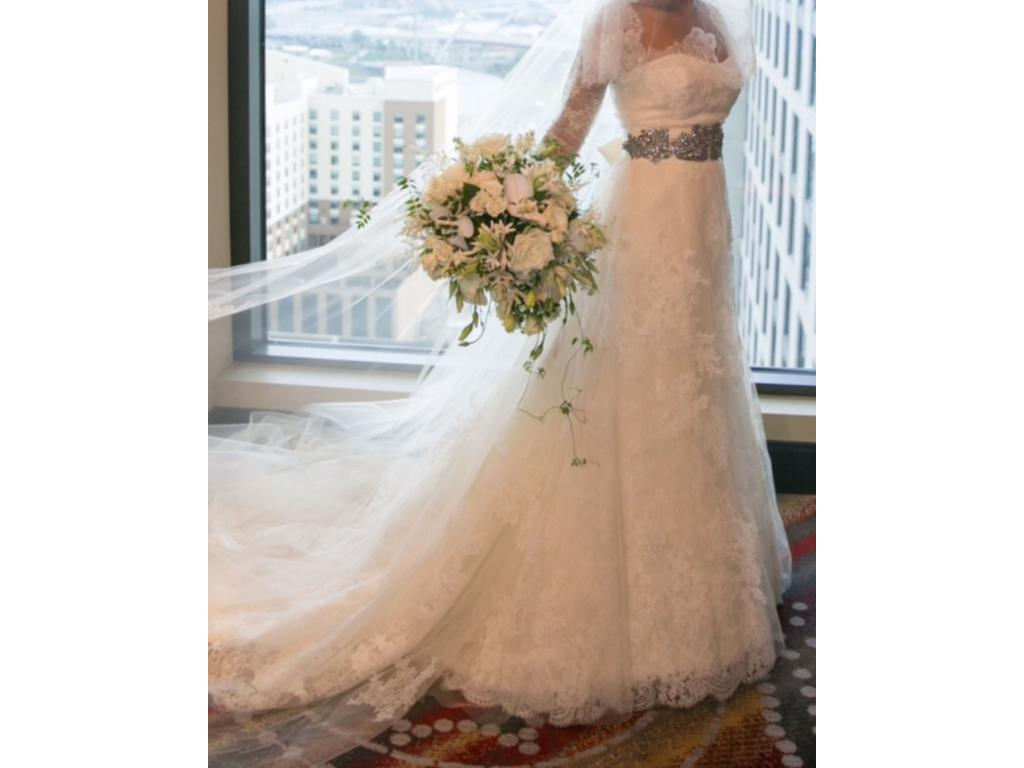 Vera wang esther wedding dress 6 000 size 4 used for Vera wang wedding dress used