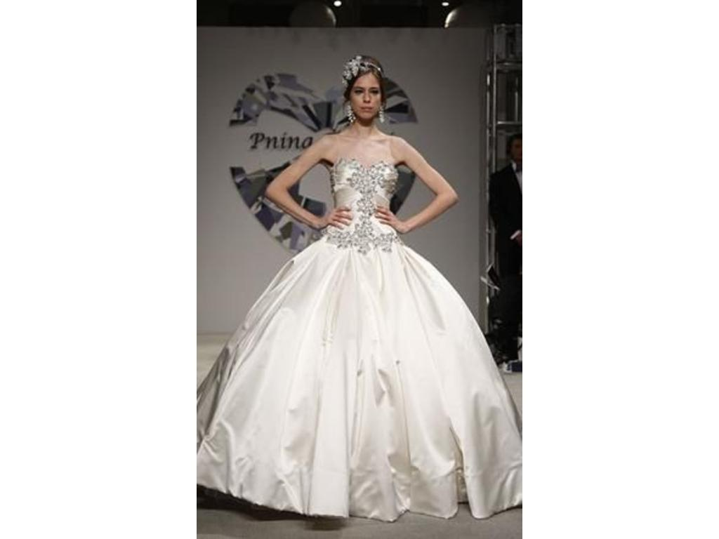 Used Wedding Gowns: Pnina Tornai 4019, $4,000 Size: 10