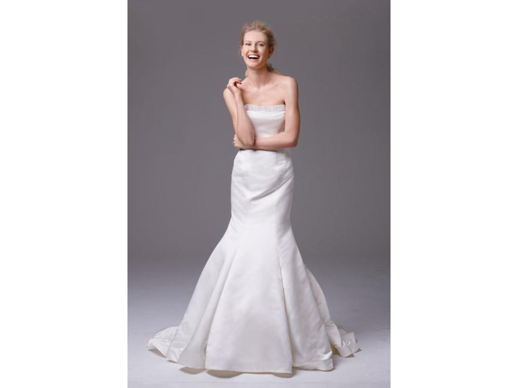 Zac posen truly zac posen wedding dress with pearl details for Zac posen wedding dresses sale