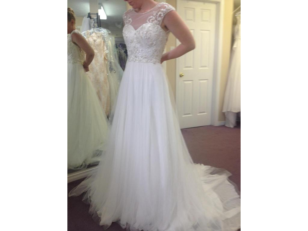Alfred Angelo 2555, $499 Size: 4 | New (Un-Altered) Wedding Dresses