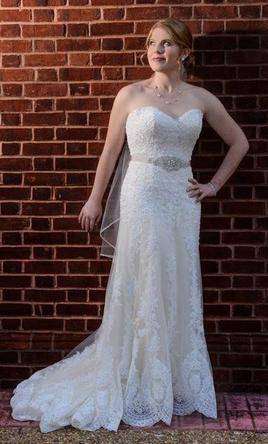 Maggie Sottero Viera, $800 Size: 8 | Used Wedding Dresses
