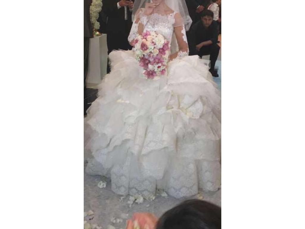 Wedding Dresses USD 7000 : Other custom size used wedding dresses