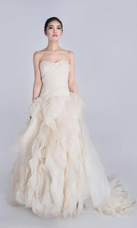 Vera wang diana 2 000 size 8 used wedding dresses for Vera wang rental wedding dresses