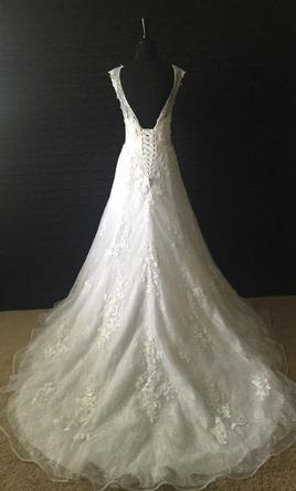 Alfred Angelo Snow White Style 239 500 Size 10