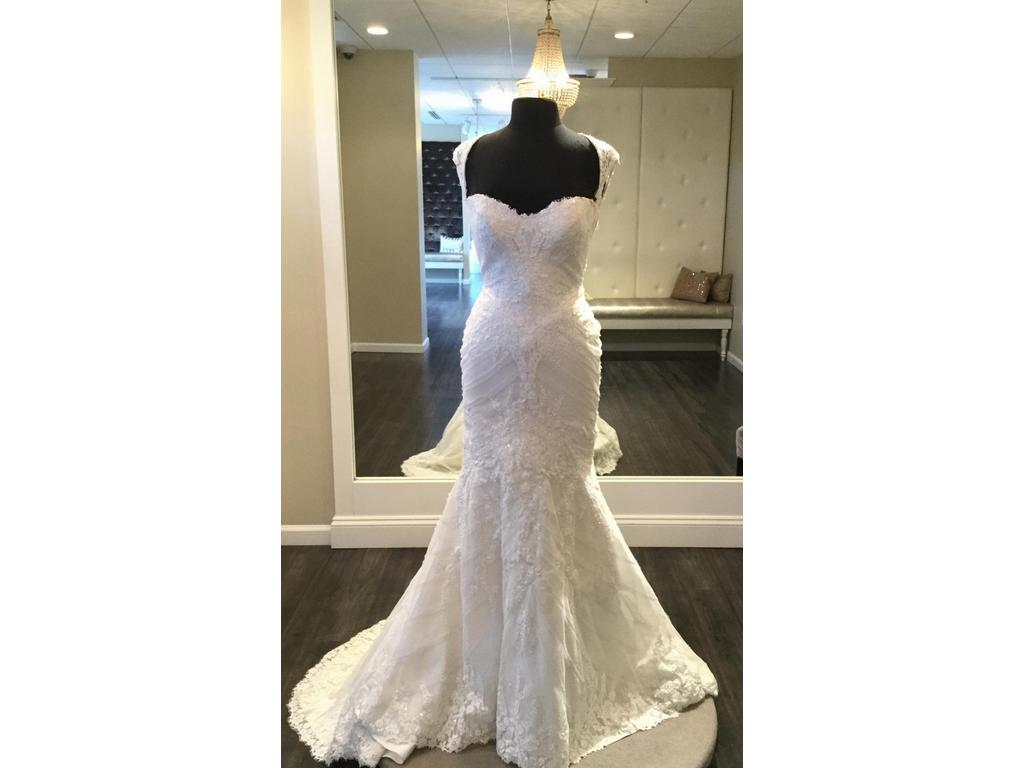 Matthew christopher sofia 1 699 size 12 sample for Matthew christopher wedding dress prices