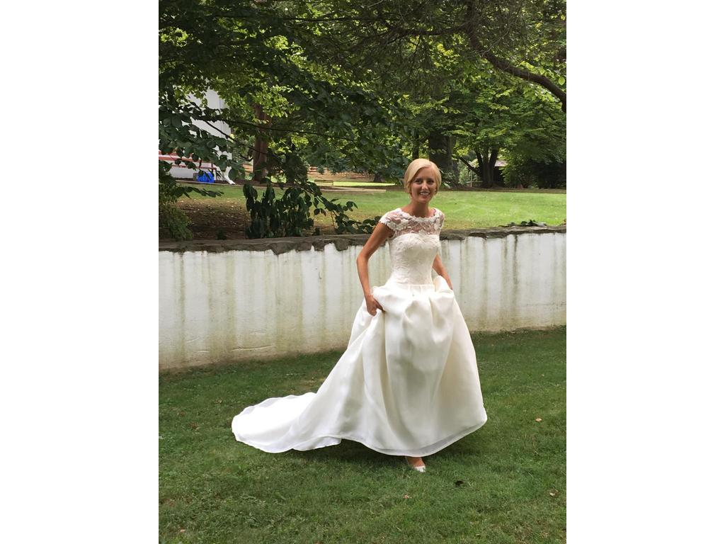 Preowned Wedding Dresses Dallas : Rosa clara dallas buy this dress for a fraction of the salon price on
