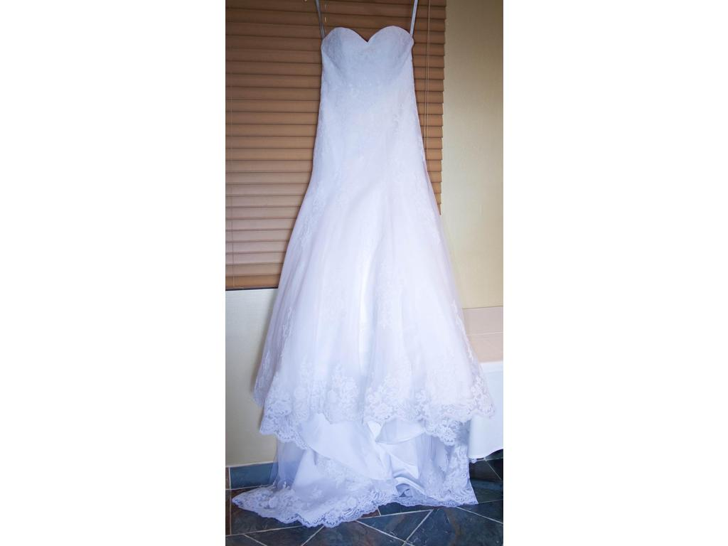 Alfred angelo 2438 550 size 0 used wedding dresses for Used wedding dress size 0