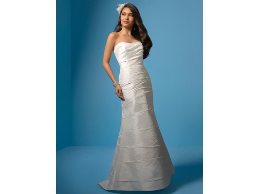 Alfred Angelo 701, $239 Size: 2 | Used Wedding Dresses