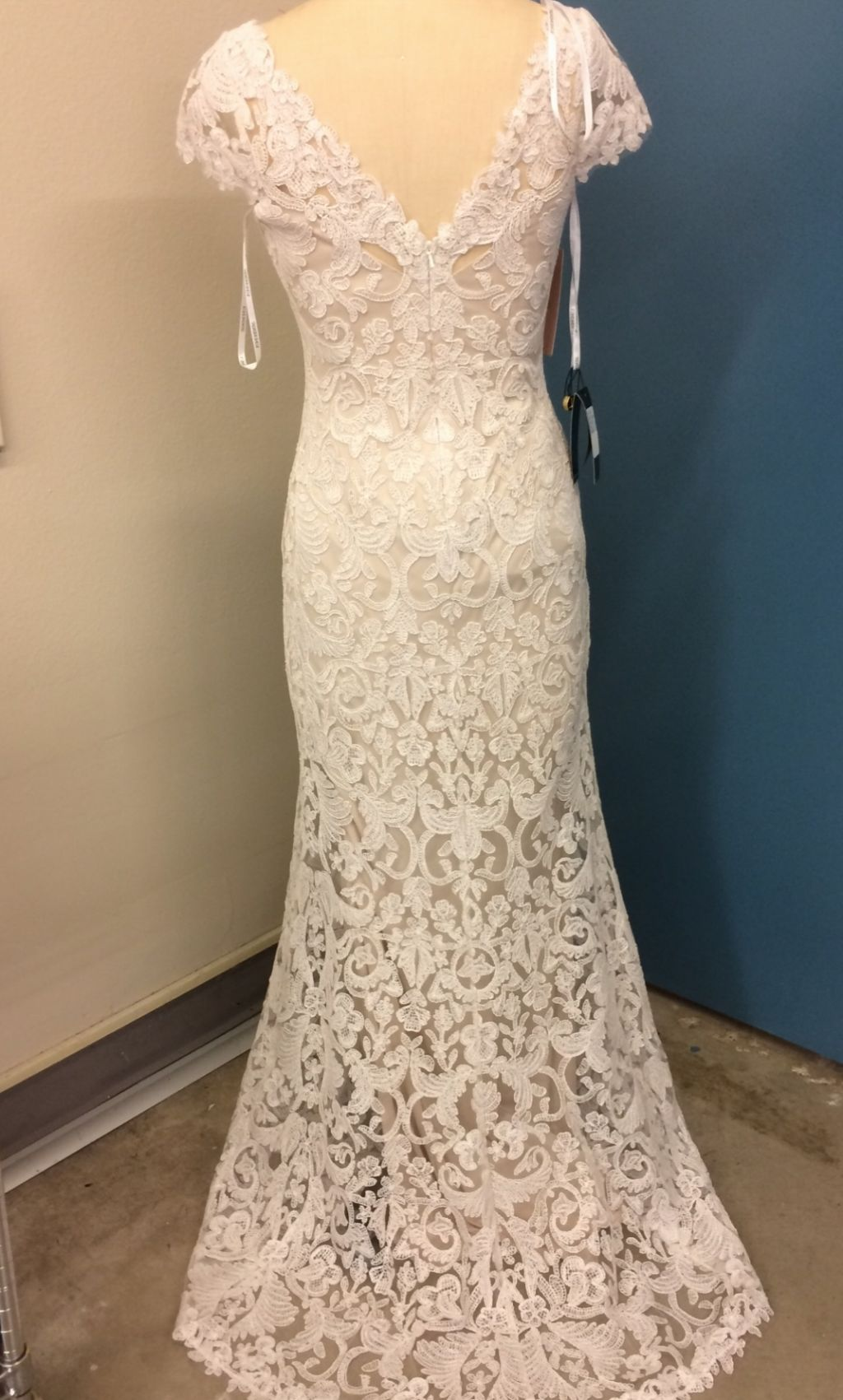 Tadashi shoji august 490 size 4 new un altered for Preowned wedding dresses for sale