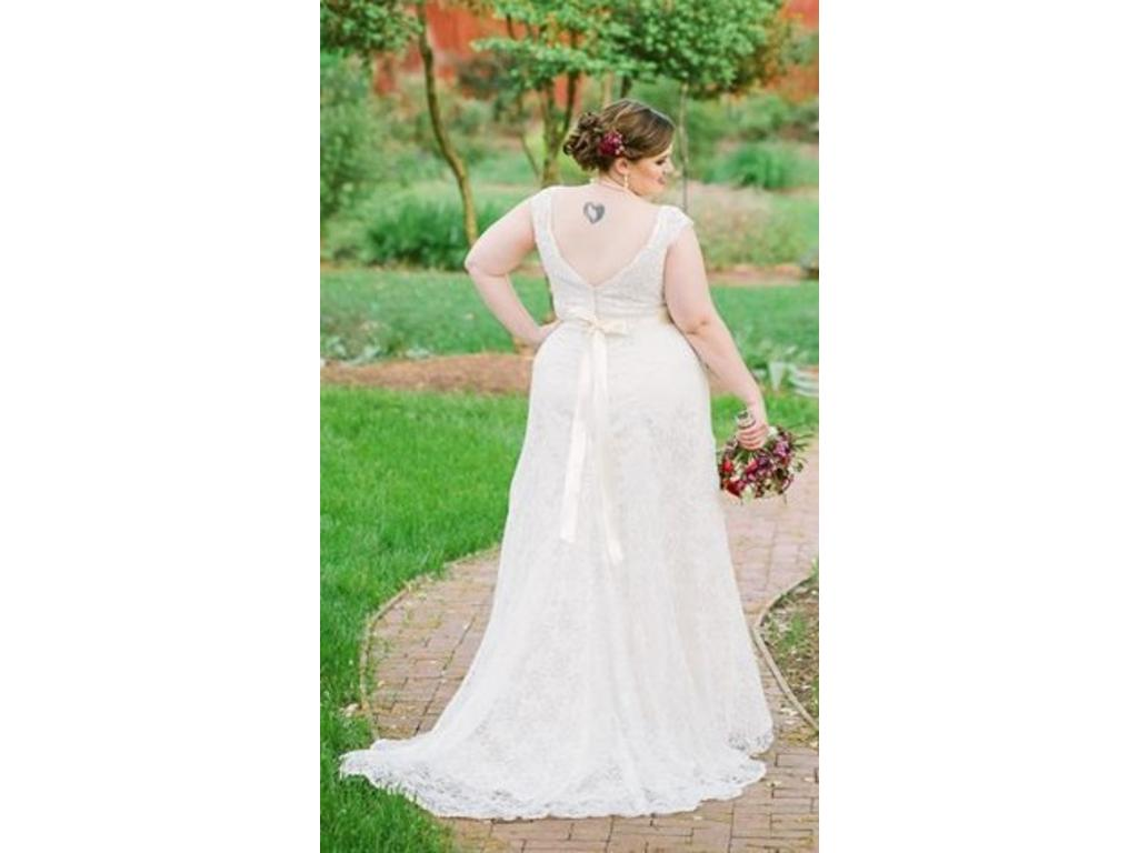 David s Bridal Beaded Cap Sleeve Lace Plus Size Wedding