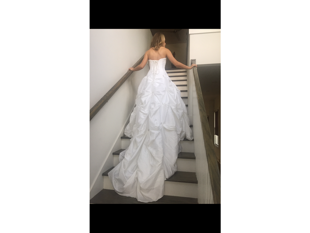 David 39 s bridal t9017 500 size 4 new un altered for Wedding dresses for 500 or less