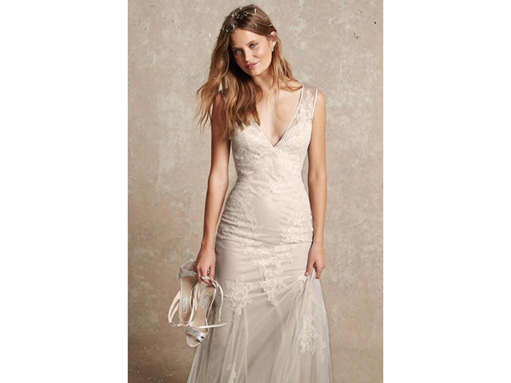 Monique Lhuillier Bliss BL1502, $1,750 Size: 2 | Used Wedding Dresses