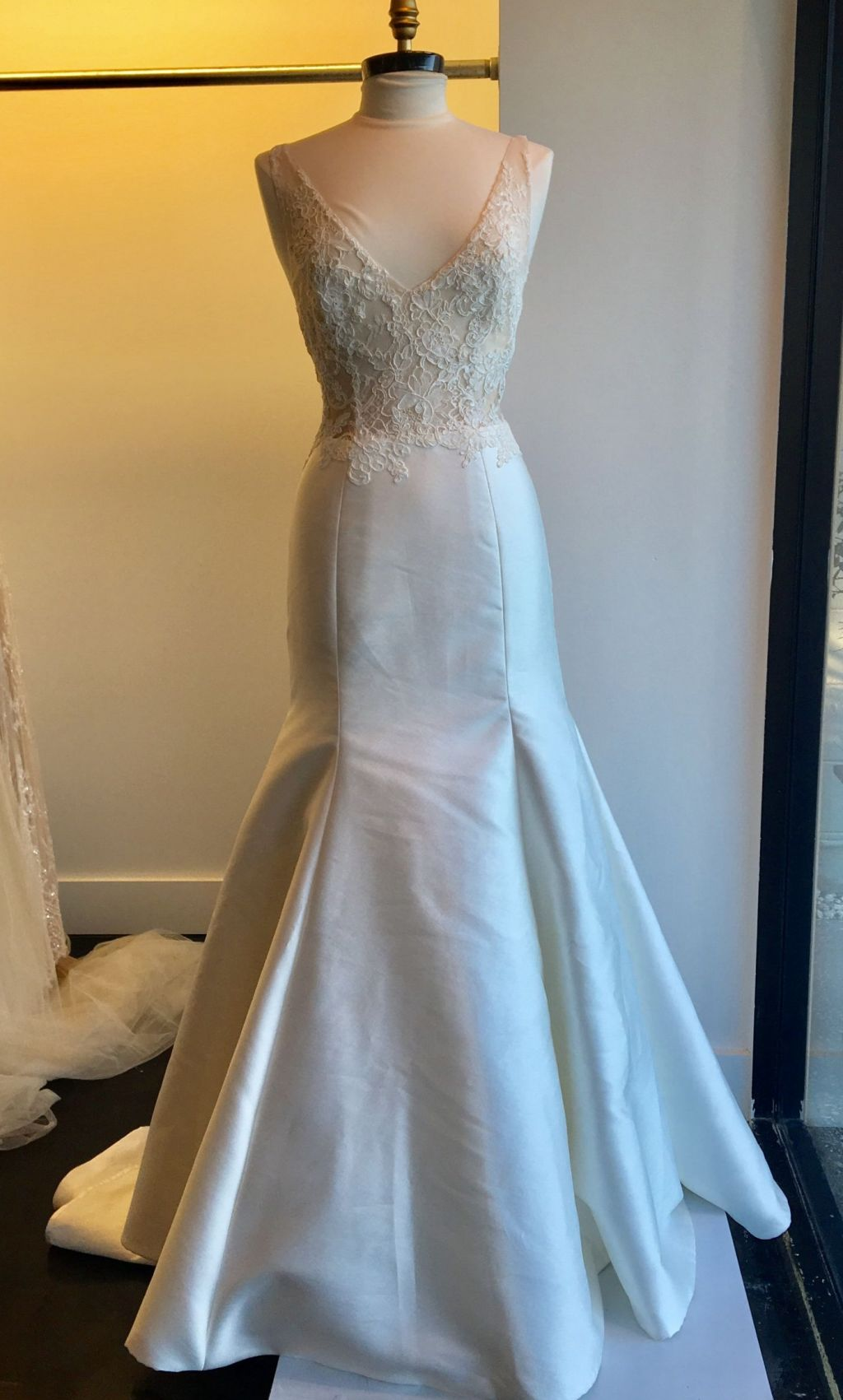Amazing Cost Of Monique Lhuillier Wedding Dresses Adornment - All ...