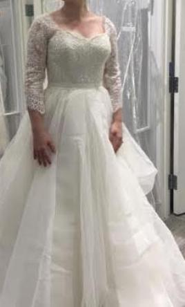 ee9d11bf93c6f Organza Long Sleeved Wedding Dress CWG731 Lace Sleeves and a Flattering  Sweetheart Neckline Beading Bridal Gowns robe de mariee-in Wedding Dresses  from .