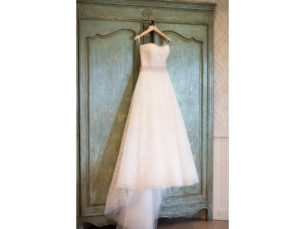 Vera wang hannah 2 500 size 4 used wedding dresses for Vera wang wedding dress for sale