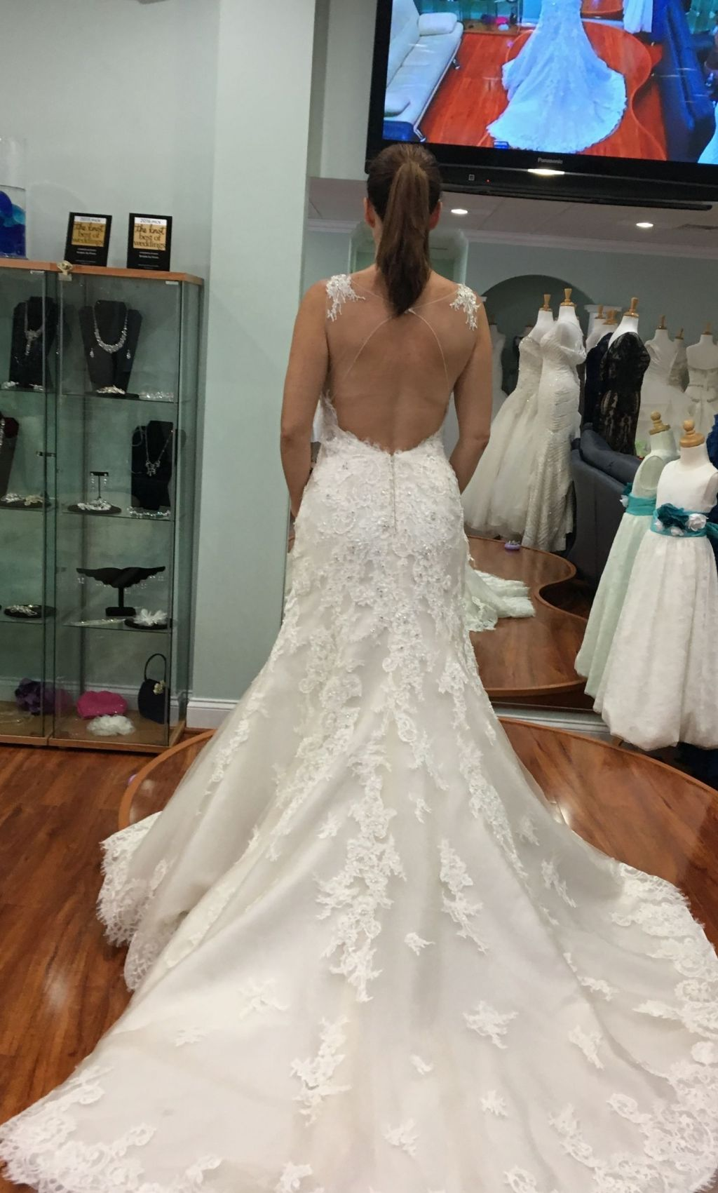 Maggie sottero wynter 1 300 size 10 new altered for Who sells maggie sottero wedding dresses