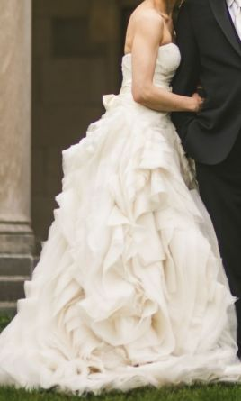 Vera wang diana 2 750 size 8 used wedding dresses for Vera wang diana wedding dress