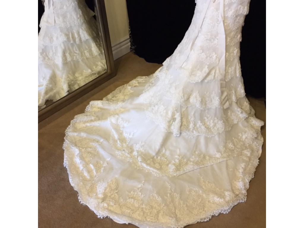 Maggie sottero boston 749 size 8 sample wedding dresses for Where to buy a wedding dress in boston