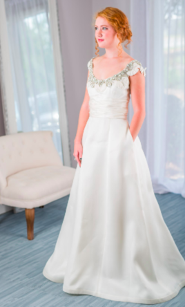 Monique Lhuillier Rihanna (To Rent Or Buy), $1,200 Size: 4   Used Wedding  Dresses