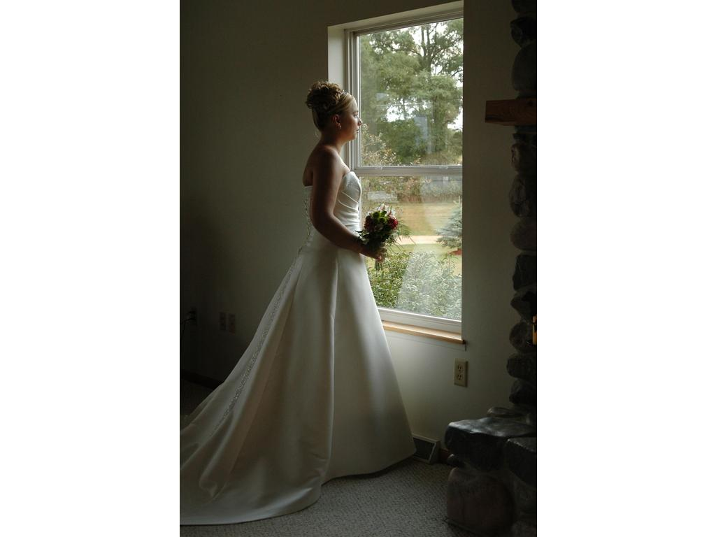 Maggie sottero olympia 275 size 12 used wedding dresses for Who sells maggie sottero wedding dresses