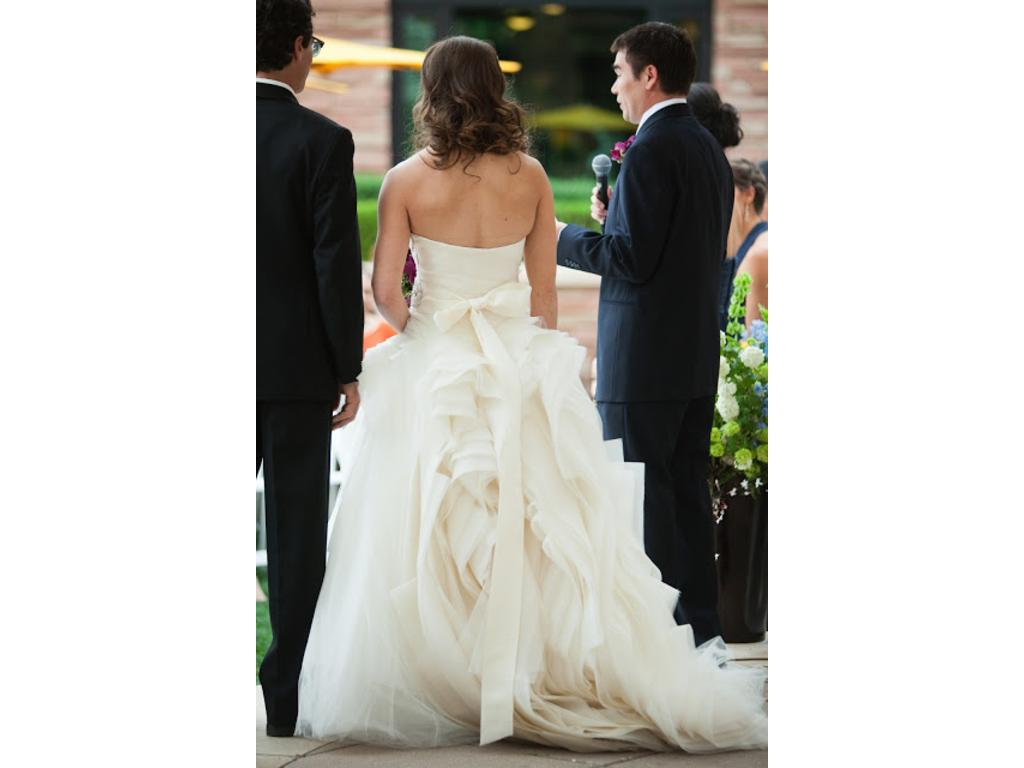 Vera wang diana 4 800 size 2 used wedding dresses for Vera wang diana wedding dress