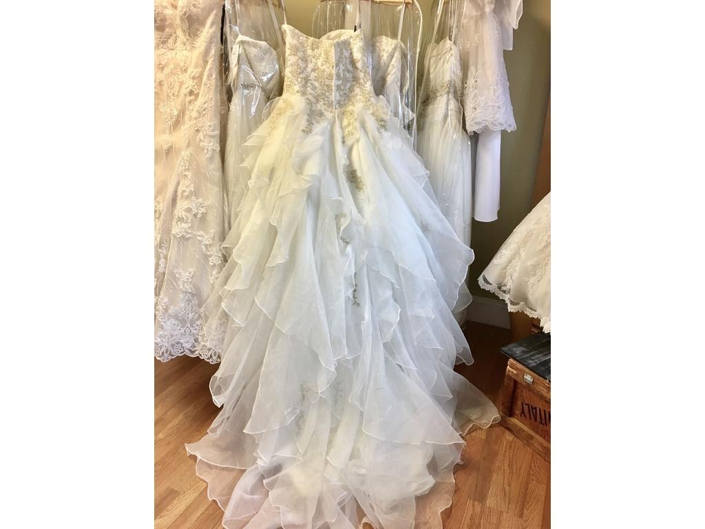Alfred angelo 899 499 size 14 new altered wedding for Pre used wedding dresses