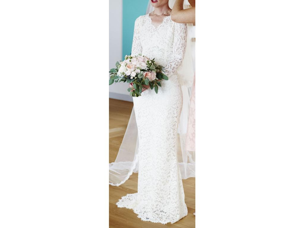 Other dolce and gabbana guipure lace wedding dress 1 900 for Pre owned wedding dresses