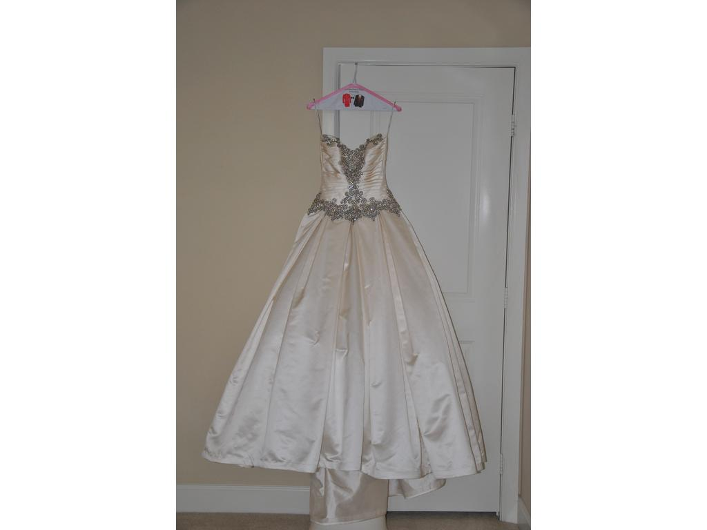 Inspired Gowns Pnina Tornai , $4,200 Size: 2 | Used Wedding Dresses