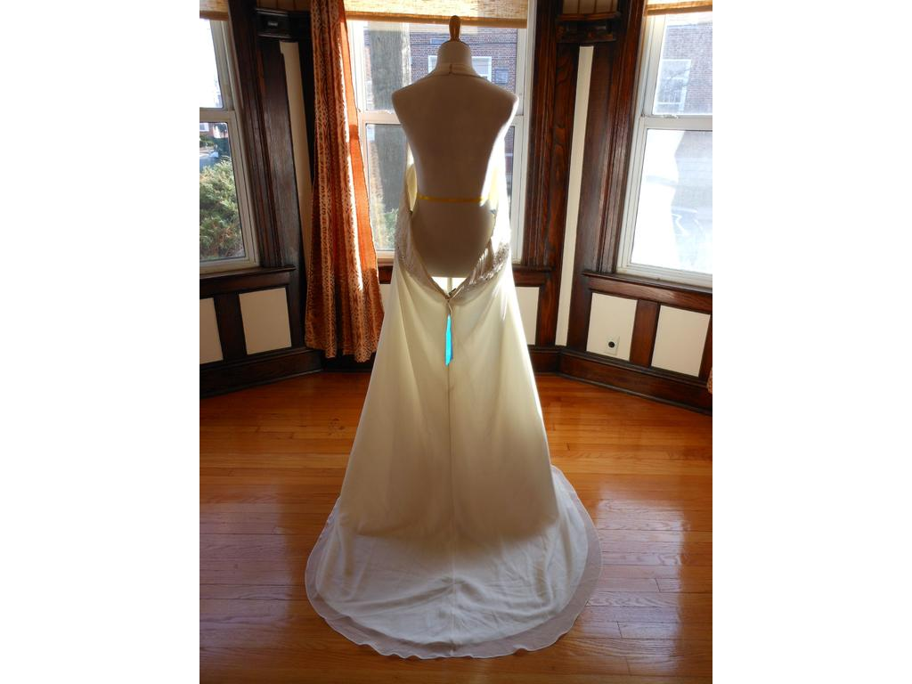 Other 40598 99 size 30 new un altered wedding dresses for 901 salon prices